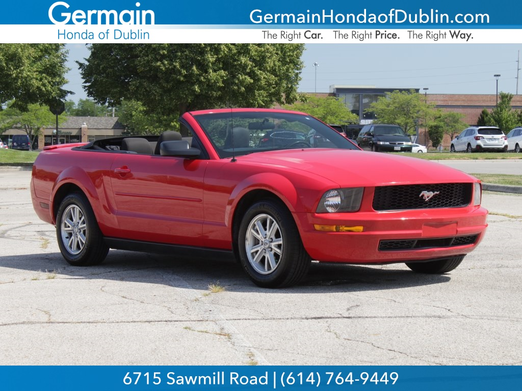 Pre owned 2007 ford mustang v6 deluxe rwd 2d convertible